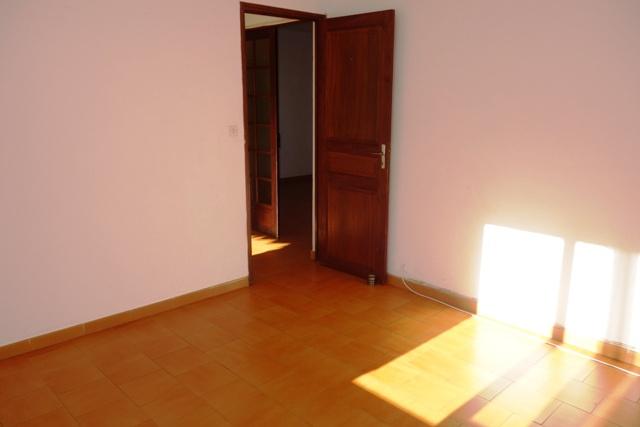 location haut de villa vue mer calme tout pieds. Black Bedroom Furniture Sets. Home Design Ideas